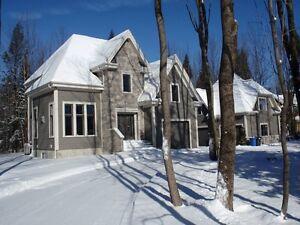 Maison à vendre ou à louer à Bromont