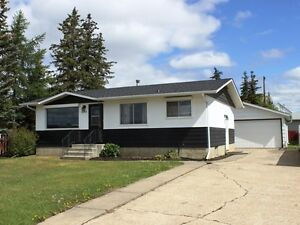 REDUCED!  3 bedroom bungalow in Tofield - MUST SEE!