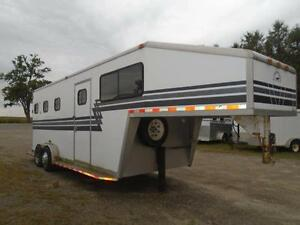 1998 Powerhorse Trailer 3 Horse or 4 Horse Gooseneck London Ontario image 2