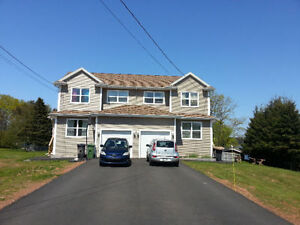 Beautiful Duplex Available in Cornwall/ North River