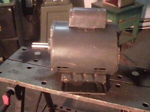 moteur electrique 1.5 hp ,110/220 volts ,1725 t/mn,shaft 7/8