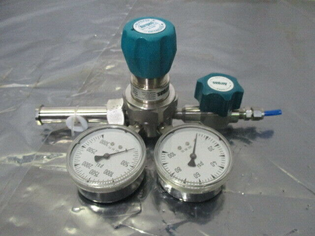 Airgas E11-C444B Two Stage Pressure Cylinder Regulator, 3500 PSI, 452423