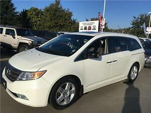 2013 Honda Odyssey Touring white fully loaded