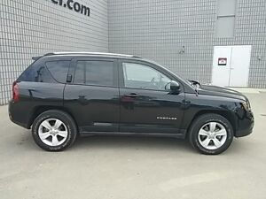 2016 Jeep Compass North 4X4 AUTO LEATHER/CLOTH ALLOYS London Ontario image 8
