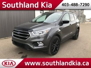 2017 Ford Escape SE EcoBoost **LEATHER-SUNROOF**