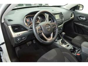 2016 Jeep Cherokee North 4X4 - U-Connect**LOW KMS**Keyless Entry Kingston Kingston Area image 6