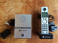 Motorola D711 Home Phone Set With Separate Answering Machine