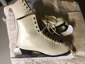 Girls/Ladies Figure Skates by WIFA - Size 6A (21)