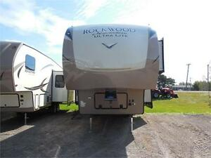 2018 Forest River Rockwood Signature Ultra Lite 8295WS