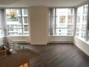 Centrally Located, Clean & Bright Downtown One-Bedroom Suite Downtown-West End Greater Vancouver Area image 3