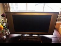 """Sanyo CE27LC4-B 27"""" LCD TV Colour Plus - Silver"""