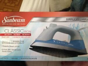 Sunbeam Classic Iron 1200 watts brand new
