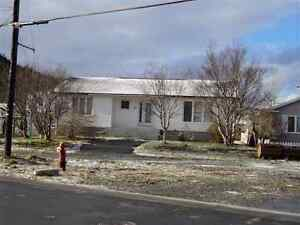 3 BEDROOM BUNGALOW FOR RENT IN PLACENTIA