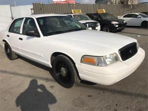 2011 CROWN VICTORIA POLICE PACK GAR 1 AN FINANCEMENT SANS DEPOT