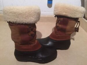 Women's Baffin Insulated Winter Boots Size 6 London Ontario image 1