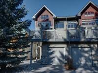 Canmore home - sleeps 6
