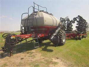 2010 IH PH800 Drill w/ 3430 Cart