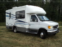 "Don""t miss out on this 2004 B plus Motor home"