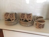Tea/Coffee service - 6 cups/6saucers/6 plates - good condition hardly used