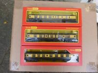 TRIANG HORNBY RAKE OF 3 GWR MK1 COACHES
