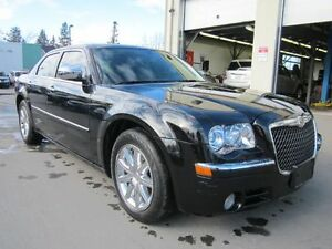 2010 Chrysler 300-Series - Great Condition!