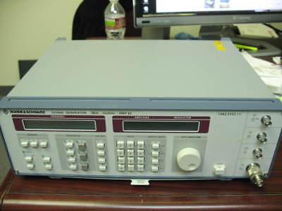 Rohde Schwarz Smy 01 Signal Generator 9khz-1.040ghz