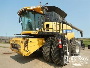 2012 NH CR9090 Combine & Pick-Up - 0% for 24 Months Included!