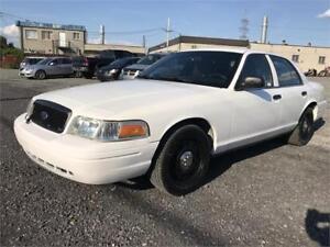 2011 CROWN VICTORIA POLICE PACK GAR 1 AN FINANCEMENT $500 DEPOT