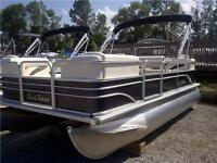 2015 Sunchaser Oasis 818 Cruise Pontoon Boat w 20 HP PT/T ES