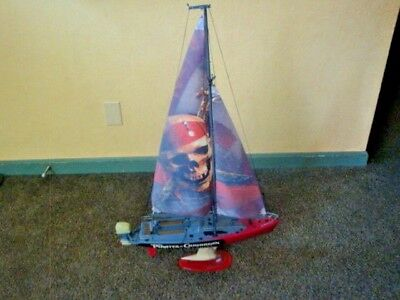 PIRATES OF THE CARRIBBEAN DEAD MAN'S CHEST BOAT / SHIP REMOTE CONTROL WORKS  !!! (Remote Control Pirate Ship)