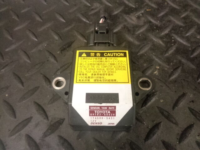 2006 LEXUS IS220D 2.2 DIESEL YAW RATE SENSOR 89183-60020 / 174500-5431