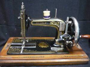 beautiful hand oerated sewing machine Blakeview Playford Area Preview
