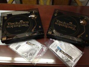 Pair of Technics SL-1200GLD 30th Anniversary Limited Edition Tur