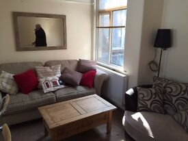 Compacted Furnished 2 bedroom flat Preston, Paignton