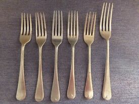 BUNDLE OF 16 VINTAGE MIXED OLD ENGLISH FORKS, HALLMARKED [see photos]