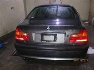 2003 bmw 325xi AWD with leather sunroof 2 SETS OF ALLOYS.TIRES