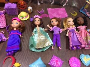 Sofia the First Dolls, Clothes, Wardrobe, Carriage, Horse