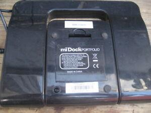 Polkaudio miDock portfolio speakers system, 8x6.5x1.75 in. Inclu