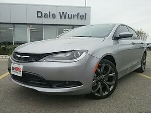 2015 Chrysler 200 S V6 LEDS HEATED SEATS PANO ROOF NAV KEYLESS London Ontario image 3