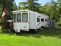 40 Ft. Jayco Bungalow. 2 Bedrooms. Mint condition!