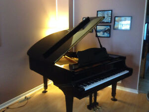 Young Chang Grand Piano in Excellent Condition