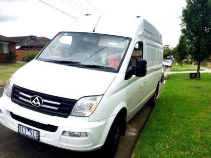 Van and truck hire (rent)