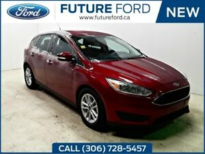 2017 Ford Focus SE-WINTER PACKAGE HEATED SEATS AND STEERING WHEE