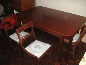 Duncan Phyfe Style Dining Table + 4 Chairs