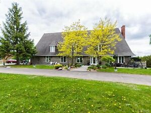 Majestic Canadian style property! (MOTIVATED SELLER)