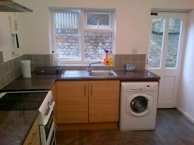 ROOM AVAILABLE NOW - £395 Double - All Bills Included - Gillingham Kent