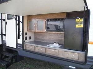2017 Puma 32FBIS 2 bedroom Travel Trailer with Outside kitchen Stratford Kitchener Area image 4