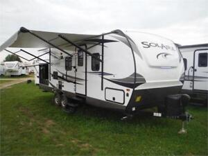 2018 Solaire 251RBSS Ultra Lite Travel Trailer w O/S Kitcen