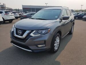 2017 Nissan Rogue AWD SV Accident Free,  Heated Seats,  Panorami