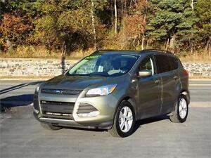 2014 FORD ESCAPE SE 4WD...LOADED!! REAR VIEW CAMERA & BLUETOOTH!